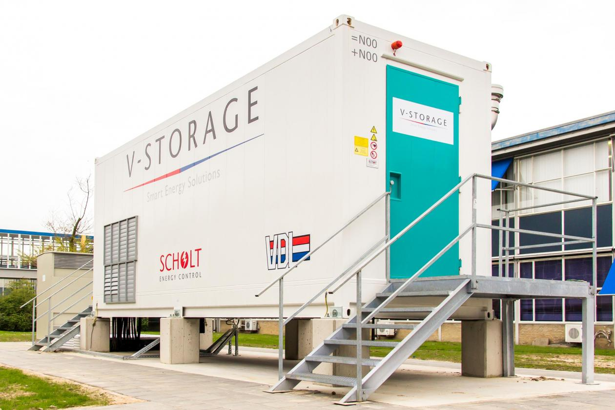 First energy storage system v storage for Scholt energy